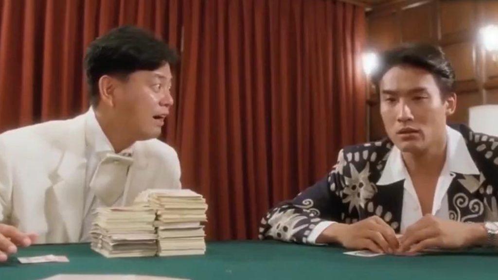 有钱就是拽,梁家辉出场这个走姿,我看20遍都学不来